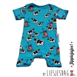 Jumpsuit / shortsuit By Liesjesdag, cows and mills maat 68