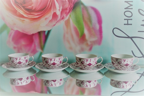Schattige vintage kop en schotels! Van: August Warnecke - China Purper