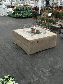 Feuertisch / Lounge-Tisch mit Kamin
