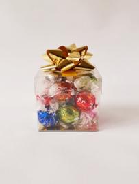 Luxe doos gevuld met Lindt ballen, 8 x 8 x 8cm