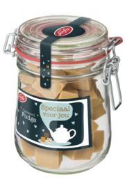 Snoeppot gevuld met Caramel fudge en tekst: Speciaal voor jou