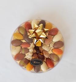 Luxe doos 21 cm met roomgevulde bonboneieren en paaschocolade