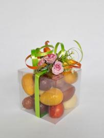 Transparant doosje 8 x8 x 8cm, gevuld met heerlijke bonboneieren