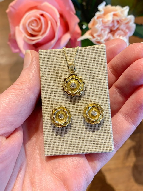 Hearts & Arrows  diamonds small (Sold!)