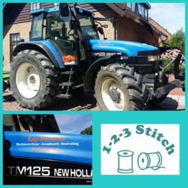 Tractor bestickerd voor Kap Services