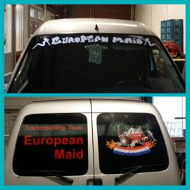 Auto bestickerd met reclame voor de European Maid