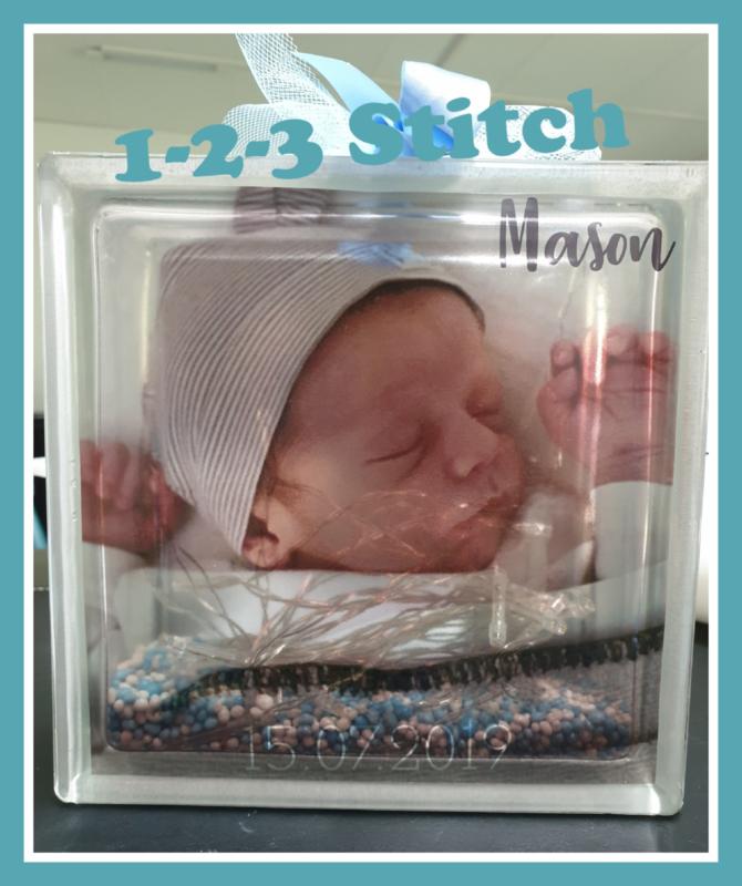 Glasblok met geboortefoto