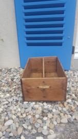 Brocante oude houten kist / gereedschapkist
