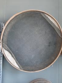 Grote oude Franse bakkerszeef / goudzeef Ø 56  cm