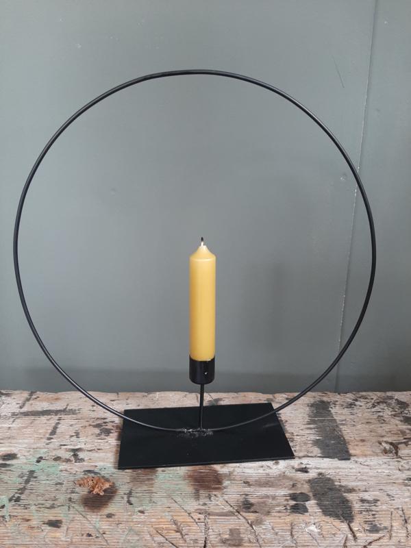 Zwarte metalen ring kandelaar 30 cm.