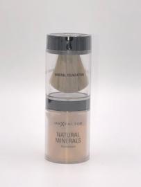 Max Factor Natural Minerals Foundation 85 Caramel