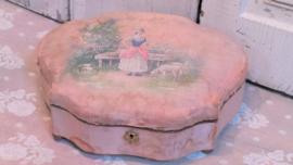 Zijden handbeschilderd kistje VERKOCHT