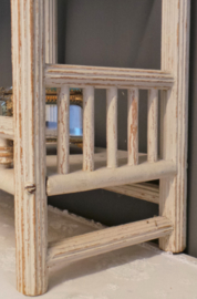 Frans houten rekje