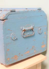 Zachtblauwe houten kist VERKOCHT