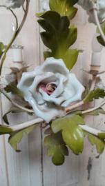 Hanglamp met porseleinen bloemen VERKOCHT
