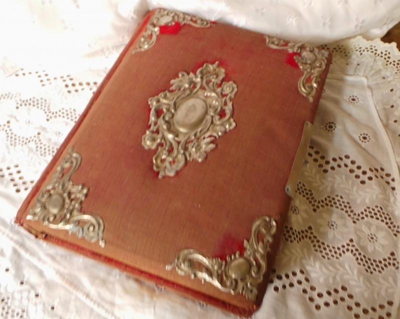 Boek van Sinterklaas of een fotoalbum? VERKOCHT