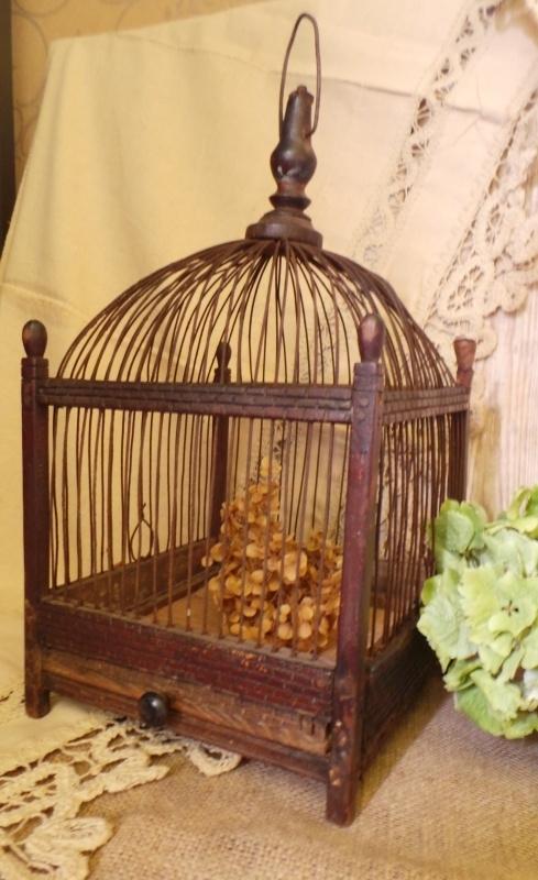 Zeer oud vogelkooitje VERKOCHT