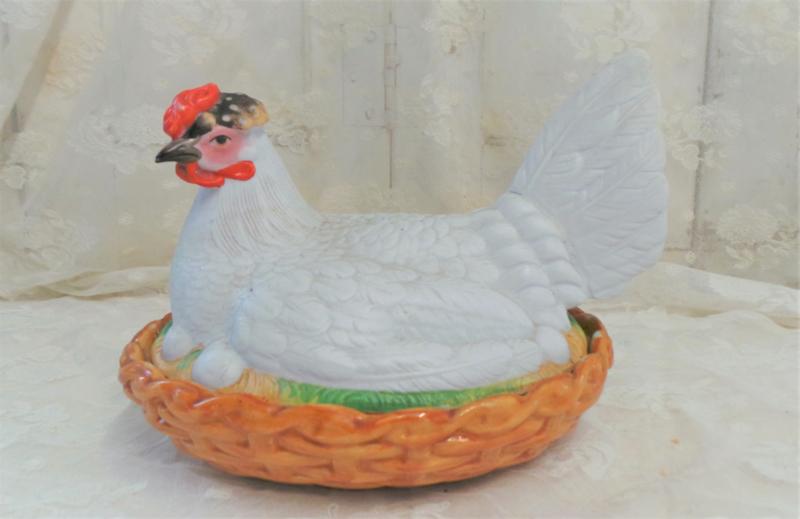 Antieke eierschaal 'kip' VERKOCHT