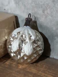 Oude Antieke Kerstbal 3914 Kersen