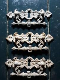 Oud Koperen Sleutelplaatje 11.6x4.5 cm