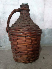Oude Brocante Gistfles in Mand Mandfles Fles