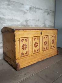 Oude Antieke Staphorster Dekenkist Kist Bissekist Neuteboom Appelblossem