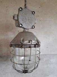 Oude Vintage Industriele Poolse Hanglamp Bunkerlamp Bully Kooilamp