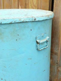 Oude Brocante Metalen Voorraadblik XXL Blauw Krukje