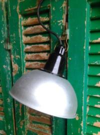 Oude Vintage Industriele Lamp Hanglamp aan Haak uit het Leger