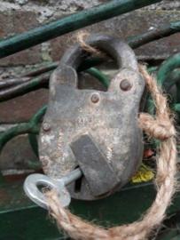 Oud Vintage Metalen Hangslot Slot XXL