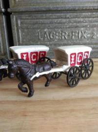 Oud Gietijzeren Hubley Kenton Paard en IJswagen