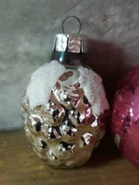 Oude Antieke Kerstbal  2203 Aardbei