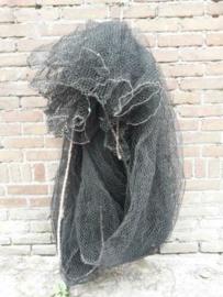 Oud Brocante Vissersnet Zwart Driehoek