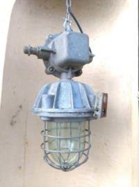 Oude Vintage Industriele Hanglamp Bunkerlamp Bully Kooilamp