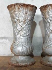 Oude Antiek Frans Jugendstil Gietijzeren Vaasje Grafvaasje