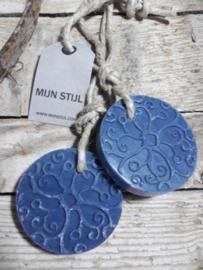 Puur Zeep Batik Hanger Schijf aan Touw Donkerblauw - Mille Fleurs
