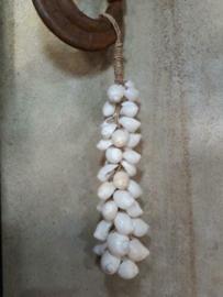 Schelpenhanger - Schelpenslinger  met Witte Schelpen 25 cm