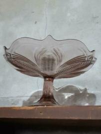 Oude Vintage Glazen Persglas Schaal op Voet Bonbonschaal Aubergine