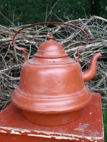 Oude Antieke Koperen Waterketel Steenrood