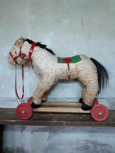 Oud Brocante Vintage Speelgoed Paard Trekpaard op Wielen