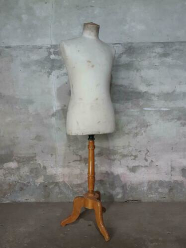 Oude Antieke Mannequin Buste Paspop op Voet Stockman Brevete Male Man