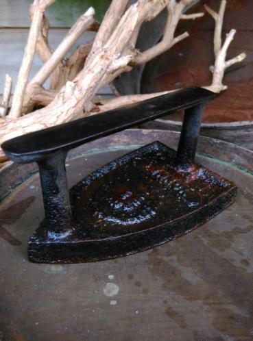 Oude Antiek Brocante Strijkijzer Bruidsbout