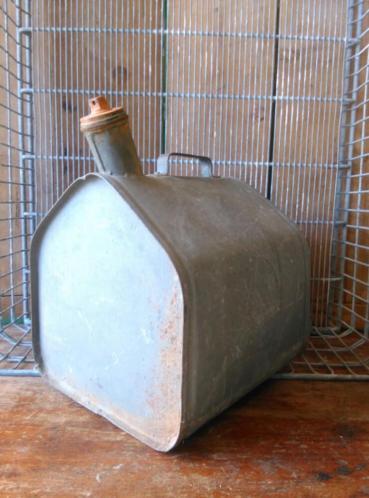 Oude Brocante Zinken Kan Petroleumkan Oldtimer