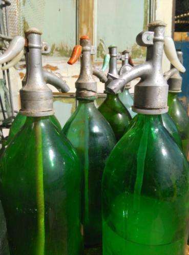 Oude Brocante Vintage Hongaarse Spuitfles Groen