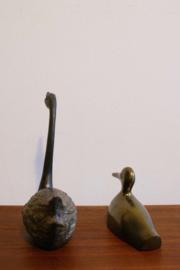 Set van 2 vintage watervogels.  Messing (?) eend en een soort zwaan?