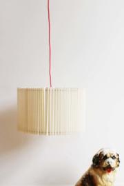 Toffe vintage hanglamp met plooien. Retro design lamp.
