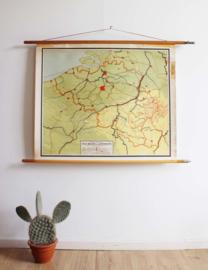 Vintage schoolplaat van België en Luxemburg. Oude retro landkaart / poster