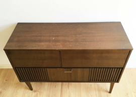 Tof vintage audio / radio meubel.  Kekke houten retro kast / dressoir.