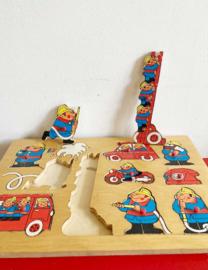 Vintage brandweer puzzel van Simplex. Houten retro speelgoed.