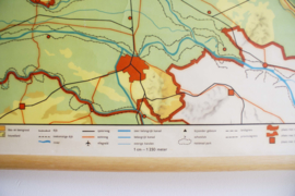 Vintage schoolplaat van |Gelderland (Nederland). Toffe retro landkaart/poster